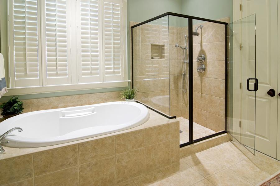 Плюсы и минусы душевых кабин относительно ванн - что лучше выбрать?